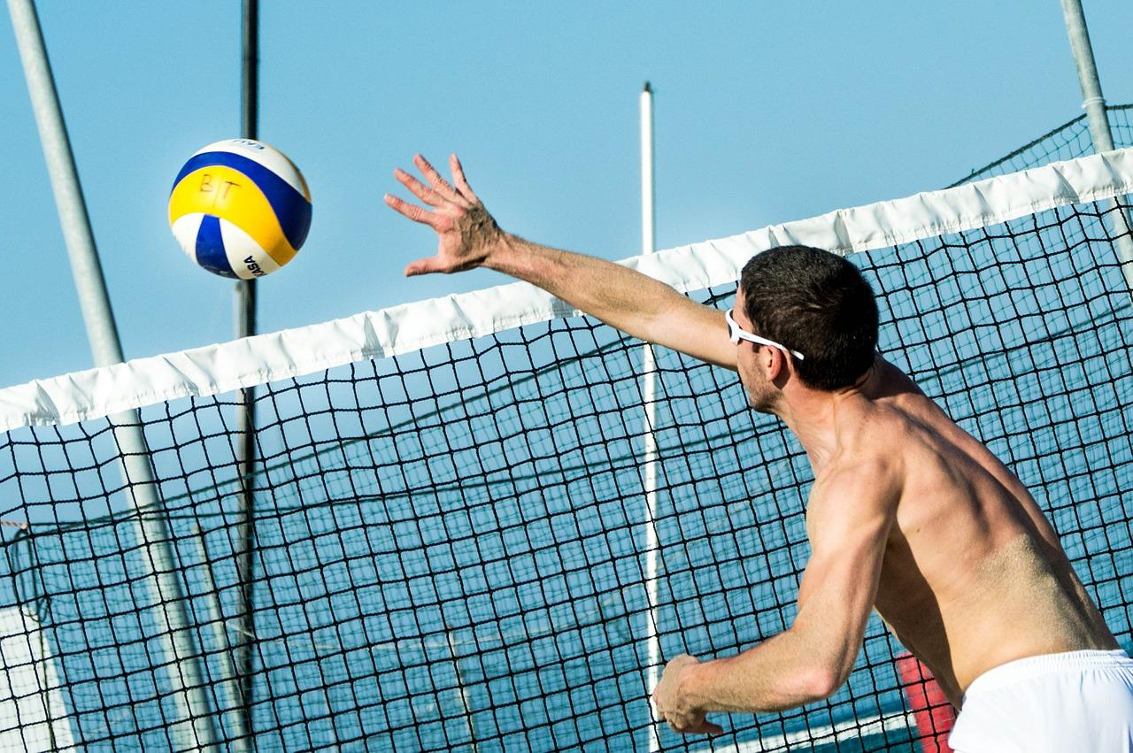 beach-volleybal-vakantie-siofok-activiteiten-hongarije-jongerenvakantie